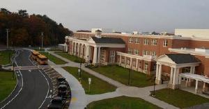 美国公立高中