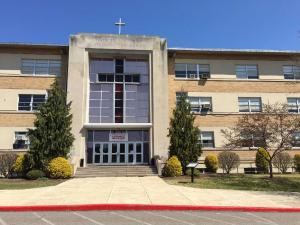 主临圣母玛利亚高中