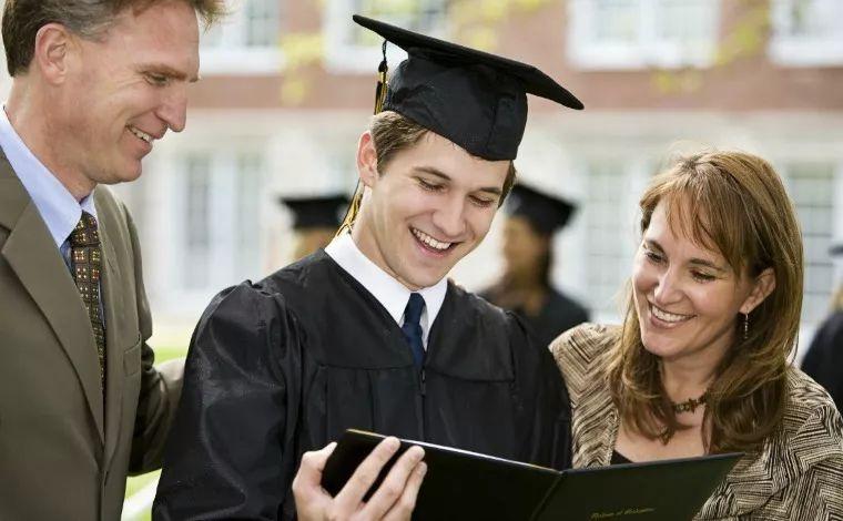 美国留学行业的黑灰白产业链(序章)