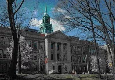 2020年地理位置最好的25所美国大学!Niche告诉你!