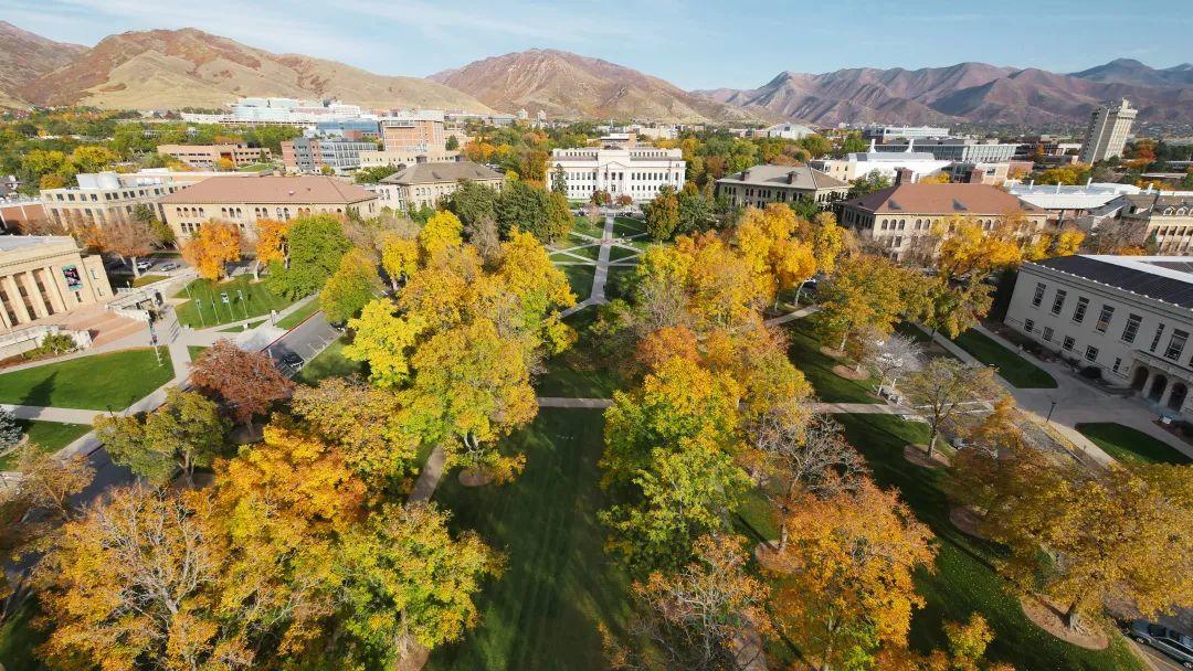 这所百名高校是美国西部最著名且最古老的公立大学之一